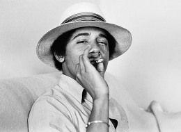 s-OBAMA-SMOKES-large