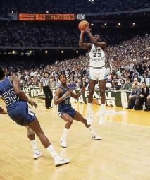 Jordan-s-Championship-winning-shot-as-a-North-Carolina-Tar-Heel-michael-jordan-13346351-666-800