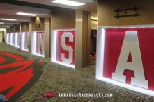 arkansas-locker-room2-610x4061-610x406