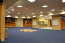 gug_08_locker_room