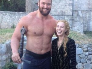 Hafthor-Julius-Bjornsson-with-Lena-Headey-Game-of-Thrones